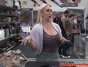 Dicksucking pawnee milf banged on the desk