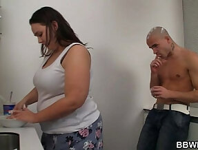 Fat chick and her dude play on camera with whipped cream and fuck