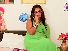 Desi aunty romantic fuck each other with boyfriend