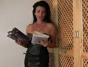 Twisted tanned MILF